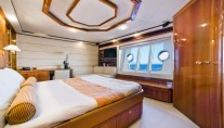 Motor Yacht DAY OFF - Master cabin