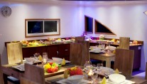Motor Yacht DUKE OF YORK - Dining b