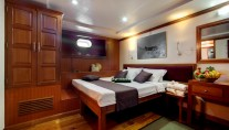Motor Yacht DUKE OF YORK - Double cabin