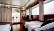 Motor Yacht DUKE OF YORK - Twin cabin upper