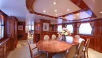 Motor Yacht DXB - Formal dining