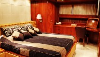 Motor Yacht HAPPY FEET - Master cabin