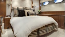 Motor Yacht JO - Burberry Guest Bedroom