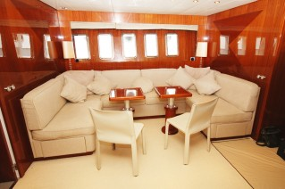 Motor Yacht LADY SPLASH - Lower salon.JPG