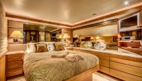 Motor Yacht LADY Z - Master suite