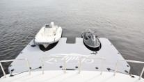 Motor Yacht LADY Z - Water toys and floating dock