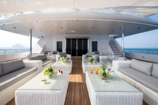 Motor Yacht MOONLIGHT II - Main deck aft