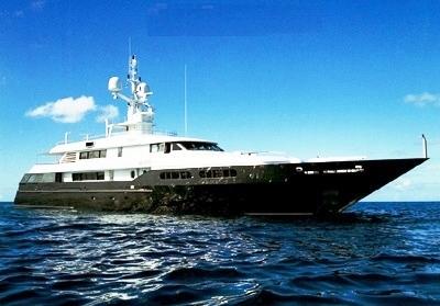 Giorgio Armani's Mariu Yacht in Style