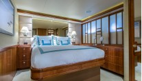 Motor Yacht OASIS - Guest cabin