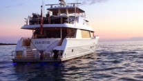 Motor Yacht OASIS - Stern view