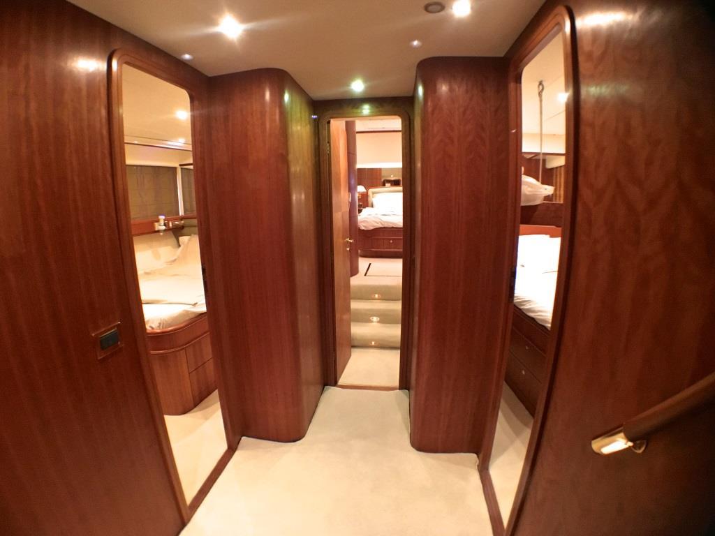 Foyer Luxury Yachts : Lady amanda motor yacht revenge ii cabin foyer