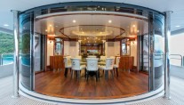 Motor Yacht SOVEREIGN - Upper salon dining