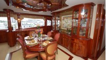 Motor Yacht Secret Spot -  Dining