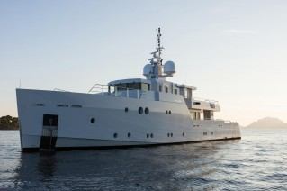 Motor Yacht Sexy Fish - Tansu Yachts - exterior profile