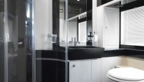 Motor Yacht Stinray M -  Bathroom 3