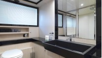 Motor Yacht Stinray M -  Bathroom