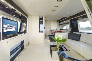 Motor Yacht Stinray M -  Main Salon