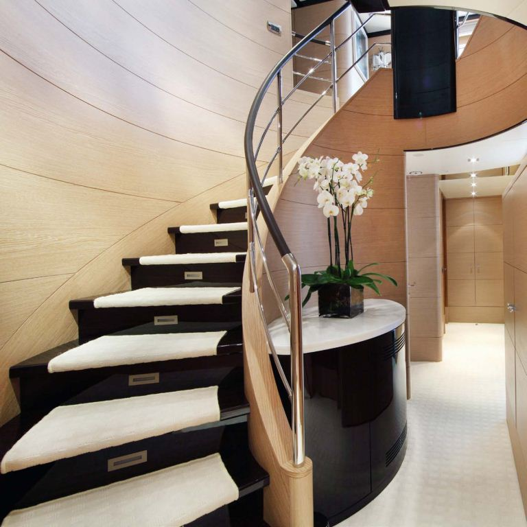 Stairs image gallery luxury yacht browser by for Tipos de escaleras interiores