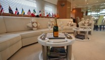 Motor yacht  MOONDANCE - Salon seating