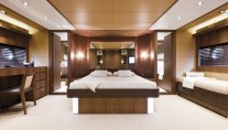 Motor yacht ANYTHING GOES IV - Master Cabin