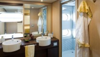 Motor yacht ARIA - Bathroom