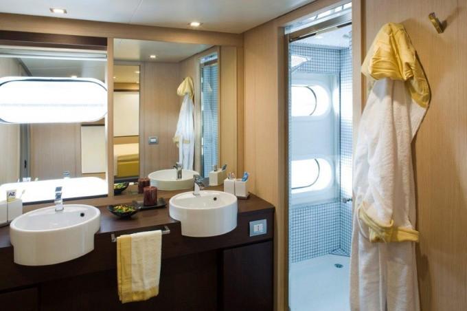 Luxury Yacht Charter Motor Yacht ARIA Bathroom C Boat