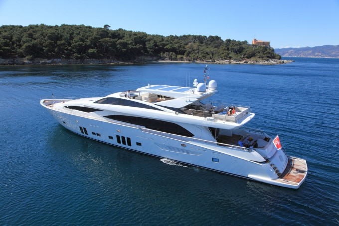 Motor Yacht Arion