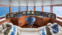 Motor yacht AT LAST - Pilothouse