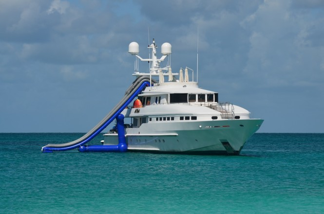 Motor yacht AT LAST - Waterslide
