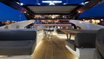 Motor yacht AUTUMN -  Flybridge at Night