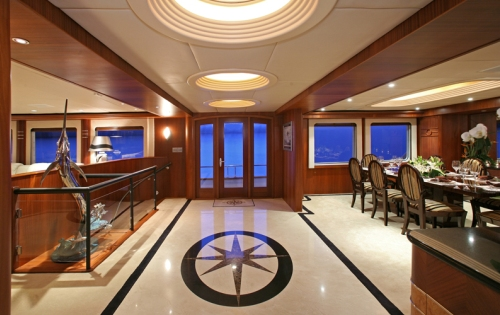 Foyer Luxury Yachts : Day dream yacht charter details christensen yachts