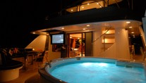 Motor yacht Dona Lola -  Spa Pool
