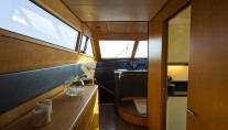 Motor yacht FOS - To bridge deck