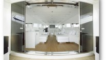 Motor yacht FRIDAY - Salon Entrance