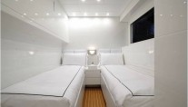 Motor yacht FRIDAY - Twin Cabin