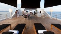Motor yacht IDOL-  Sundeck Sunbeds and Al resco Dining