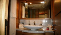 Motor yacht LADY CHATTERLEY -  Master Bathroom