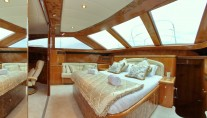 Motor yacht LADY MARCELLE - Master Cabin View 2
