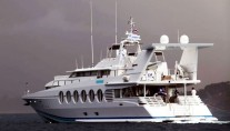 Motor yacht Lady Arraya -  Cruising