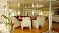 Motor yacht Lady Arraya -  Dining