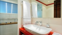 Motor yacht MOSKING - Guest Bathroom