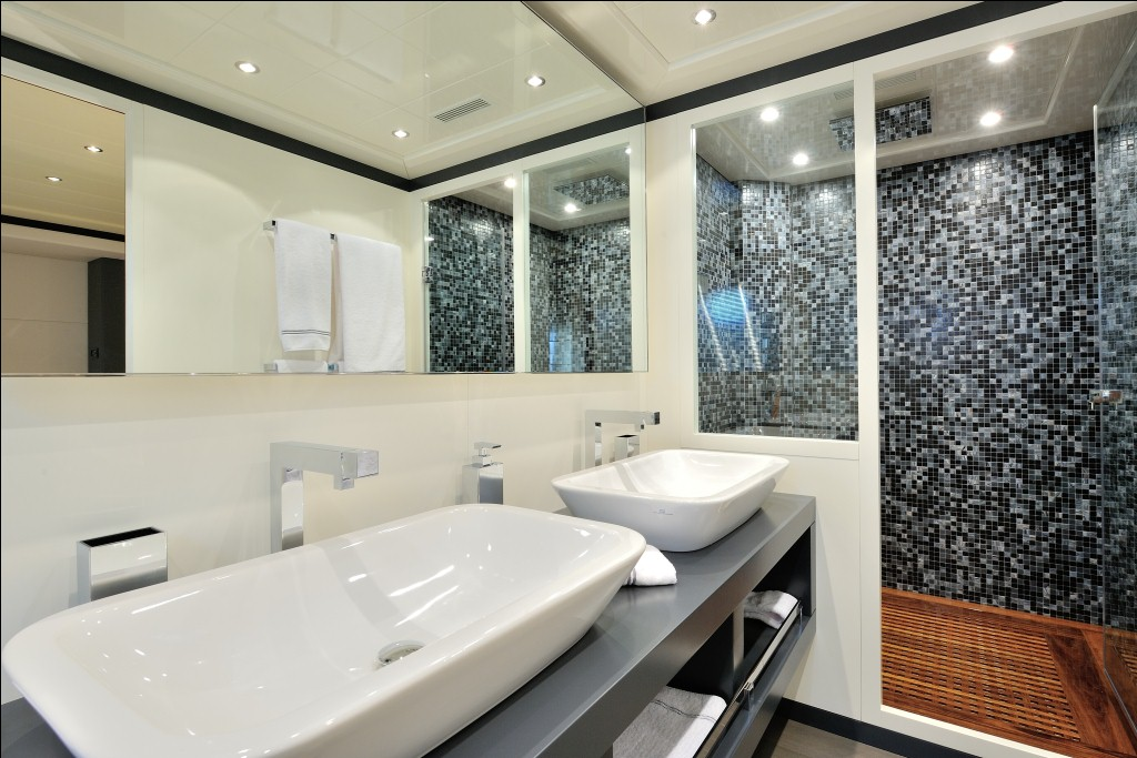 Luxury Yacht Charter Motor Yacht MOSKING Master Bathroom Mangusta