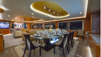 Motor yacht Majesty 135 - Dining