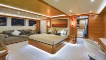 Motor yacht Majesty 135 - Owners Stateroom
