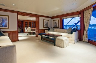Motor yacht OHANA -  Sitting Area main deck