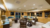 Motor yacht PERFECT LADY - Salon looking aft