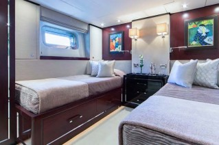 Motor yacht POLLY -  Twin Cabin