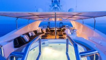 Motor yacht QM OF LONDON - sundeck jacuzzi