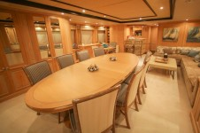 Motor yacht QUEST R -  UPPER DECK Saloon Dining