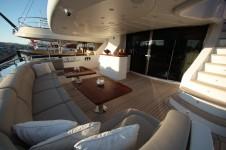 Motor yacht QUEST R - Aft deck Seating